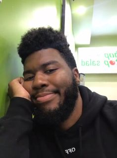 Khalid is adorable! Music People, My People, Khalid Quotes, American Teen, I Icon, Music Industry, Reaction Pictures, Best Artist, My Boyfriend