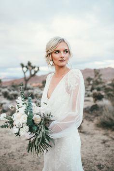 Wedding bride wife wedding dress deep v sheer lace tule tulle bouquet dessert outdoor wedding sleeves beautiful