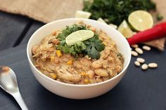 Chicken and White Bean Chili - (Gluten-free + Dairy-free) - Tasty Yummies White Bean Chicken Chili, White Bean Chili, No Bean Chili, White Beans, White Chicken, Chili Recipes, Mexican Food Recipes, Dinner Recipes, Dinner Ideas