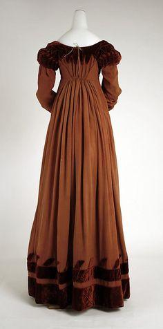 Metropolitan Museum of Art, Item 1981.210.5, silk dress c1818, british