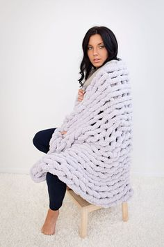 Jumbo chenille blanket - super soft and gentle to touch. Wrap yourself into a softness of Jumbo chenille! Chenille Blanket, Chunky Blanket, Merino Wool Blanket, Soft Blankets, Knitted Blankets, Hand Knitting, Knitting Patterns, Diy Christmas Gifts For Kids, Cheap Diy Home Decor
