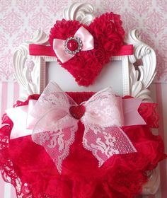 Hey, I found this really awesome Etsy listing at https://www.etsy.com/listing/175681939/2pcs-valentines-baby-bloomer-setred-lace