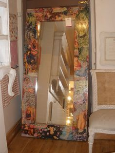 Hmmm, I have two extra big mirrors. Modge Podge Diy, Recycled Mirrors, Craft Tutorials, Craft Ideas, Big Mirrors, Diy And Crafts, Arts And Crafts, Creation Crafts, Decoupage Ideas