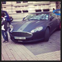 007's Aston Martin DBS!