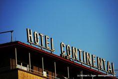 OLD STYLE   Lädt zum Übernachten ein? Frankfurt, Broadway Shows, Neon Signs, Travel, Viajes, Traveling, Tourism, Outdoor Travel