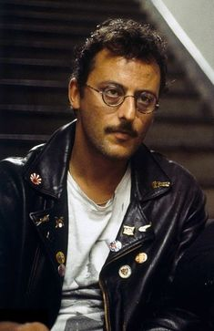 Jean Reno young photos best and new movies early acting career height weight net worth age. Jean Reno, New Movies, Good Movies, The Professional Movie, Chris De Burgh, Kevin Kline, Steve Martin, Caricatures, Hollywood