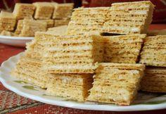 Raffaello ostya Sweet Desserts, No Bake Desserts, Sweet Cakes, Garlic Bread, Picnic, Recipies, Food And Drink, Cooking Recipes, Keto