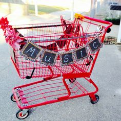 A super creative music cart! School Days, High School, Teacher Cart, Music Classroom, Classroom Ideas, Traveling Teacher, Teaching Music, Music Lessons, Music Education