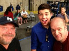 """Dis411 Kevin Chamberlin Hanging Out With Bradley Steven Perry And Eric Allan Kramer On The """"Good Luck Charlie"""" Set"""