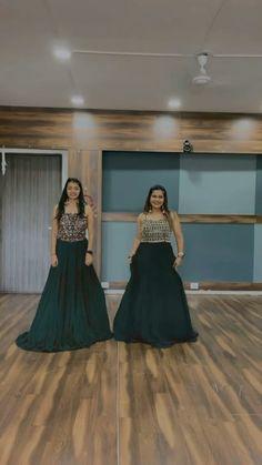 Wedding Dance Video, Girl Dance Video, Indian Wedding Video, Dance Workout Videos, Dance Choreography Videos, Dance Videos, Simple Dance, Beautiful Girl Dance, Bollywood Wedding