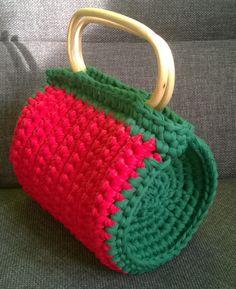 kleine Zapgetti Tasche. little crochet zpagetti bag