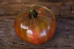 """Many heirloom tomatoes get the accolade """"best tasting"""" from their fans, and this is certainly one of them. Originally grown in Tennessee by Native Americans of t Garden Seeds, Planting Seeds, Tomato Garden, Vegetable Garden, Cherokee Purple, Compost Tea, Tomato Cages, Tomato Seeds, Grow Organic"""