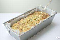 Tip voor wat meer variatie in de lunchtrommel. Je maakt dit makkelijke recept een avond van tevoren en 's morgens hoef je alleen nog maar een plak af te snijden. 'Fijne dag schat' [...]