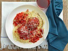 Sunny's Spicy Spaghetti with Mega Meatballs Recipe : Sunny Anderson : Food Network Spicy Spaghetti, Spaghetti And Meatballs, Pork Meatballs, Spaghetti Squash, Spicy Pasta, Chicken Spaghetti, Spaghetti Sauce, Meatball Recipes, Beef Recipes