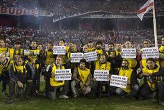 Fotógrafos argentinos protestan por la muerte de Rubén Espinosa. Foto: Xinhua
