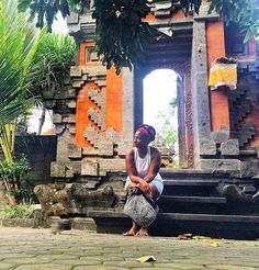 Quiet moments in #Indonesia with @vaycarious. She stays on an adventure :) // Travel Well #TravelFly!