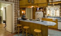 Mad Men - Don Draper kitchen Season 1 Don Draper, Betty Draper, Sally Draper, Mad Men Mode, Mad Women, 1960s Kitchen, Kitchen Sets, Vintage Kitchen, Anos 60