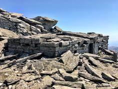 Γενικές πληροφορίες, φωτογραφίες, βίντεο, και οδηγίες ανάβασης με χάρτη διαδρομών για το όρος Όχη στην νότια Εύβοια κοντά στην Κάρυστο. Dragon House, Albania, Mount Rushmore, Mountains, Nature, Houses, Travel, Ancient Greece, Islands