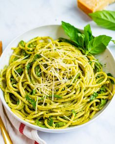 Here's the trick to getting the creamiest pesto spaghetti evenly covered in silky sauce! Make it with homemade or purchased basil pesto for a fast dinner. | weeknight dinner recipes | pesto dishes | quick pasta recipes | easy vegetarian meals | #spaghetti #pesto #pestospaghetti #spaghettipesto #pestorecipe #basilrecipe #basil #easydinner #vegetariandinner #fastdinner Pesto Pasta Bake, Pesto Sauce, Pesto Recipe, Healthy Pesto, Vegan Pesto, Basil Pesto, Quick Pasta Recipes, Simply Recipes, Creamy Pesto
