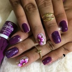 30 ideias de unhas decoradas com flores unhas decoradas lilas, unhas decoradas roxa, unha Sexy Nails, Love Nails, Pretty Nails, Ring Finger Design, Nail Time, Marble Nail Art, Disney Nails, Square Nails, Nail Decorations