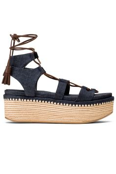 15 Spring Flatforms That Will Finally Make You Fall in Love With the Trend