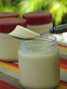 Lait concentré sucré, lait, vanille