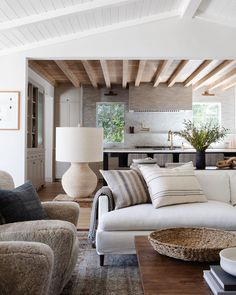 Amber Interiors, House Interiors, Rustic Interiors, Interior Decorating, Interior Design, Decorating Ideas, Living Room Inspiration, Design Inspiration, Contemporary Interior