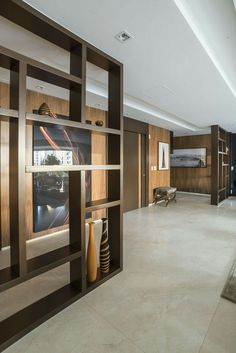 Living Room Partition, Living Room Divider, Room Partition Designs, Living Toom Ideas, Dining Room Floating Shelves, Pallet Room, Wood Room Divider, Portable Room Dividers, Wooden Partitions