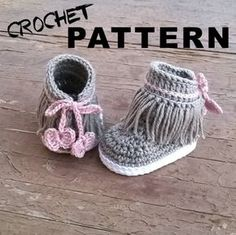 oOo___ Instant Download Pattern___oOo  This listing is for a PDF crochet pattern only and not the finished ítem.  Pattern available in ENGLISH and SPANISH . Once you have completed checkout you can download the files for both languages. This pattern is written in American terminology.  You will receive elaborated written PDF file with the instructions for crocheting this super cute baby sneakers. Dakota sneakers pattern is a step by step tutorial with more than 50 photos and clear…