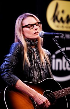 Aimee Mann won the award for Best Editing In A Video for her song Save Me at the VMA's 2000