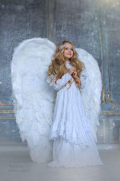 Cute Baby Wallpaper, Angel Wallpaper, Victoria Secret Wings, Angel Wings Costume, Sad Angel, Bride Costume, Artsy Photos, Angel Pictures, Belly Dance Costumes