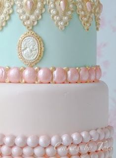 Cakes by Tess: Marie Antoinette!