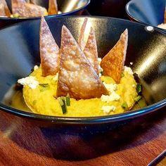 Hummus de garbanzos pepino  requests y nachos.  Menú del mediodía 14 en @somiatruitesdo del Chef David Andrés #Rec14BcnTb #RECesMoltMes
