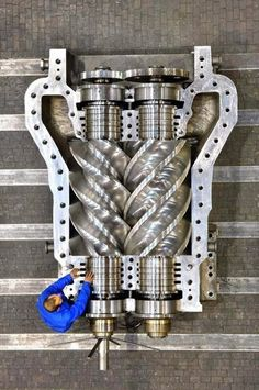 I want this on my car-(it's a supercharger) Mechanical Art, Mechanical Design, Mechanical Engineering, Power Engineering, Engineering Technology, Combustion Engine, Heavy Machinery, Car Engine, Steam Engine