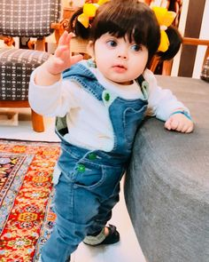 Pin by Shaheen on cute beby Beautiful Baby Pictures, Cute Baby Girl Pictures, Cute Baby Boy, Cute Little Baby, Beautiful Babies, Little Babies, Baby Love, Baby Kids, Small Cute Babies