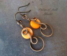 Boho Wire wrapped earrings / wire wrapped par PillarOfSaltStudio, $20.00