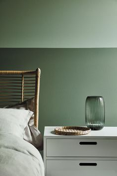 love this aquamarine green paint colour by Little Greene with Ambleside dark green paint colour on lower wall. Click through for more green paint colours you'll love from the latest new collection by Little Greene paints with the National Trust Peinture Little Greene, Little Greene Paint, Objet Deco Design, Paint Combinations, Green Paint Colors, Bedroom Green, Sage Bedroom, Family Room Design, Contemporary Interior Design