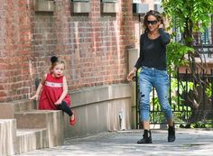 """zimbio sarah jessica parker and her daughters   Sex and the City"""" star Sarah Jessica Parker walks her twin daughters ..."""