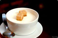 Yogur natural enriquecido con nata con Thermomix | Velocidad Cuchara