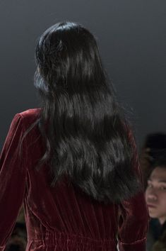 Erin Fetherston at New York Fashion Week Fall 2017 - Details Runway Photos Black Hair Kpop, Hair Color For Black Hair, Hair Inspo, Hair Inspiration, Yennefer Of Vengerberg, Glam Hair, Sleek Hairstyles, My Hairstyle, Beauty Trends