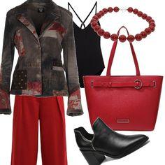 Con questa bella giacca ho abbinato dei pantaloni ampi rossi, da indossare con dei tronchetti comodi e d'effetto. Sotto la giacca ho pensato ad un body nero e ho completato l'outfit con una collana rossa e una bella borsa rossa anch'essa.