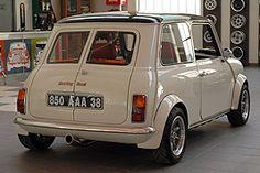 Automobiles BMC: The 'Mini Dream Factory' - Classic Driver Brought to you by… Mini Cooper Classic, Classic Mini, Mini Cooper S, Classic Cars, Mini Morris, Automobile, Mini Clubman, Mini S, Small Cars