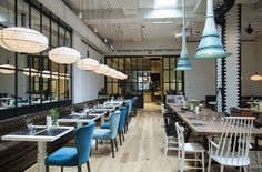 Experimental Barcelona bistro also offers a creative laboratory and a tea shop...    http://www.we-heart.com/2014/09/08/artte-tea-bistro-and-art-space-barcelona/