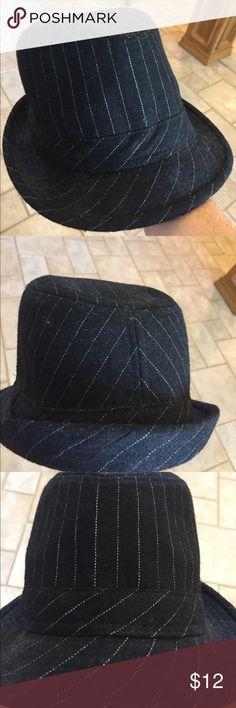Fedora hat new pinstripe black white Fedora hat black with white stripe new Accessories Hats