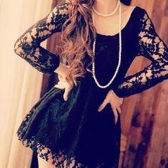 Photopoll: Lace dresses
