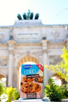 Leckere Cookies wurden am Siegestor in München vernascht. #Bahlsen #LifeIsSweet #SweetOnStreets #München