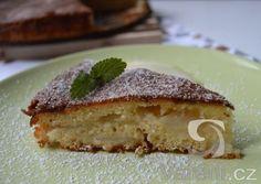 Recept na koláč z hrušek, který se rozplývá na jazyku, jak je jemný.