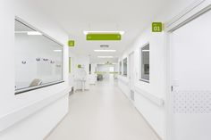 Here we take a look at the top 10 most impressive wayfinding systems (images and source links). Clinic Interior Design, White Interior Design, Clinic Design, Modern Interior, Healthcare Architecture, Healthcare Design, Medical Office Design, Modern Office Design, Modern Offices