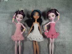 Эмма Сацкая - YouTube Crochet Barbie Clothes, Doll Clothes, Barbie Barbie, Monster High Dolls, Elsa, Disney Characters, Fictional Characters, Disney Princess, Knitting