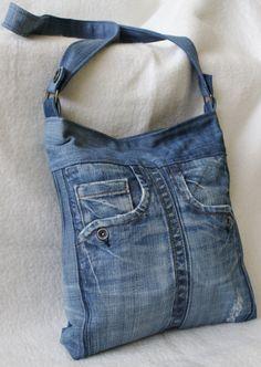 Best 12 Bags & Handbag Trends: # jeans reform # bags # jean # putting – Home Page – Page 628955904188082077 – SkillOfKing. Diy Bags Jeans, Denim Tote Bags, Denim Handbags, Diy Bags Purses, Denim Purse, Denim Bag Patterns, Artisanats Denim, Mochila Jeans, Blue Jean Purses